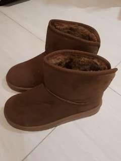 Sepatu Winter Boots