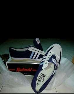 Sepatu kodachi Navy/Sepatu capung/Sepatu kodachi terbaru