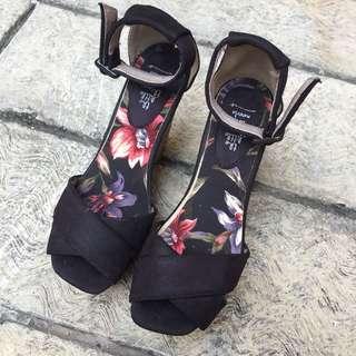 Black Wedges Shoes MURMER!!💖💖