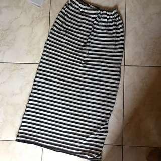 Skinny skirt striped
