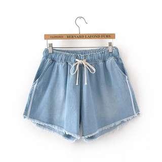 (XL~3XL) 2018 summer women's Korean elastic waist stripe stitching raw wide leg shorts