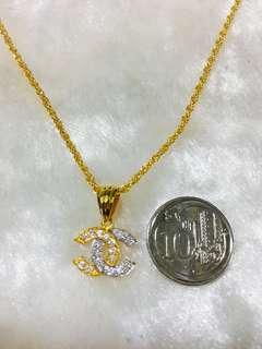 916 Gold CC Pendant Set
