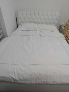 Queen size button head bed and mattress