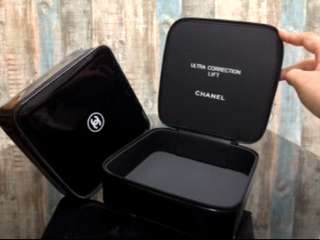 CHANEL pouch box (Authentic)
