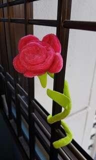 Flexible rose