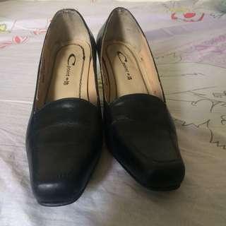 Black Heeled Shoes (made in marikina)