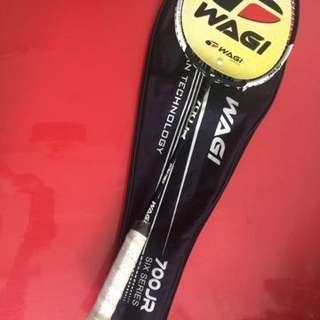 Raket Badminton Wagi