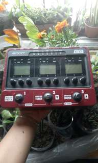 Defective Zoom B3 Multi Effects Pedal