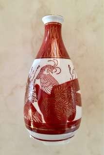 Red-gold Japanese Kutani sake bottle painted with peacock & peonies pattern