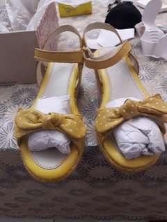 Sandal clark size 12.5
