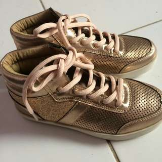 Kids shoes cotton on