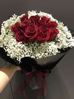 12 red roses and baby breath bouquet