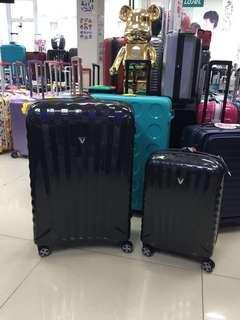 阿豪 全新 意大利製造Roncato 100%碳纖維製造 行李箱(20寸已售罄)