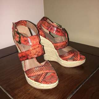 Glamour Puss Leather Wedges Sz 6