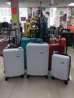 阿豪 台灣品牌 Travel Plus 黑白無雙全新55cm 行李喼(特價中)