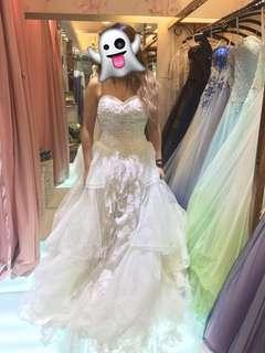 二手拖尾婚紗(不是淘寶)宮庭米白色 心形胸 蕾絲 laces vintage wedding dress