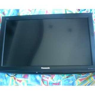 Flat screen TV Model TH L32C2S
