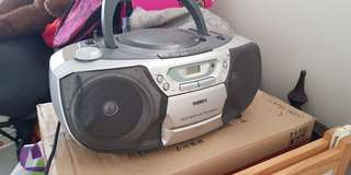 Phillips vcd mp3. CD player