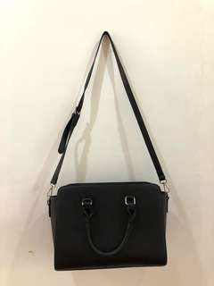 VERSATILE BLACK BAG