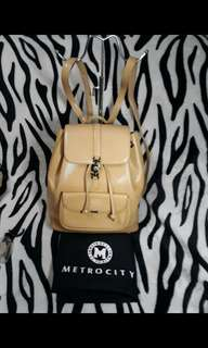 METROCITY Leather Back Pack