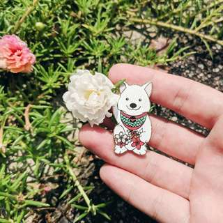 Fortune Spitz Pin
