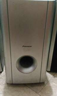 PIONEER SPEAKERS AND SUBWOOFER