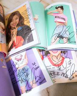 Twice WHAT IS LOVE FANSIGN
