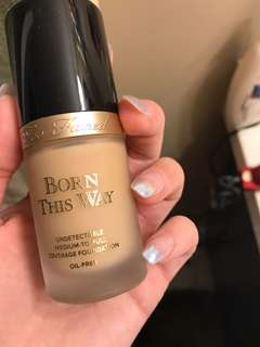 Too Faced - Born This Way Foundation (shade:porcelain)