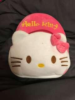 🚚 幼童kitty後背包(圖5有一點小小黑點不明顯)