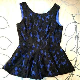 🚚 003 全新 正品 Mingzi 微亮光澤寶藍內襯外搭純黑鏤空緹花修身上衣