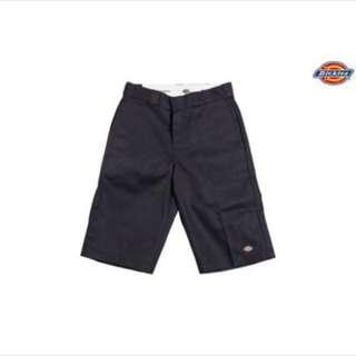 🚚 Dickies 黑色五分短褲 size 30