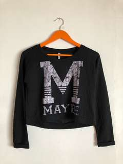 STRADIVARIUS BLACK SWEATER