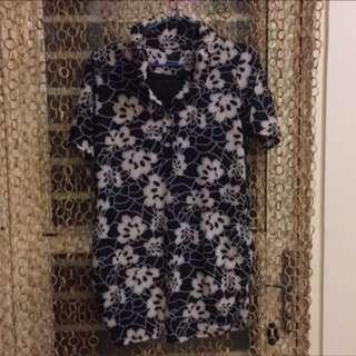 《清光衣物間》很花的長襯衫