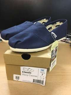 TOMS shoes Classic canvas navy