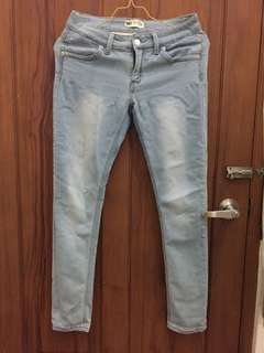Celana jeans levi's light blue