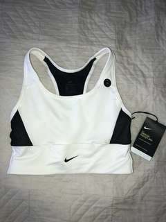 Nike sports bra with pocket