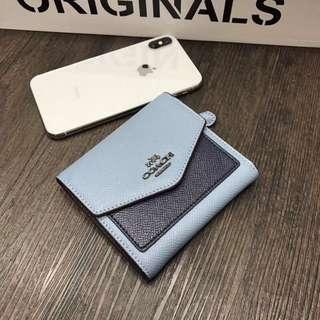 精品代購COACH F59972最新款顆粒紋牛皮三折短夾