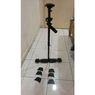 HD-2000 Carbon Fiber Professional Camera Stabilizer Steadicam with Quick Release Plate 1/4'' and 3/8'' Screw for DSLR Camcorder DV Camera