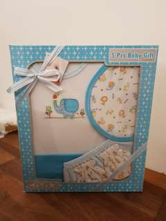 Baby 5 piece Gift Set