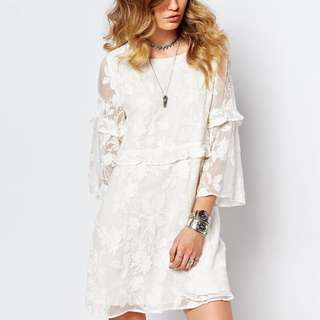 White Embroidered Lace dress size M