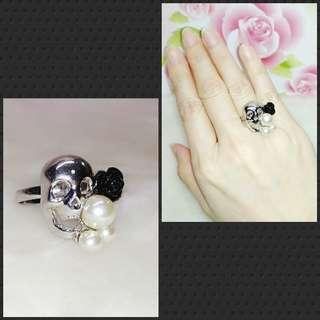 Skull Black Resin Rose Fake Pearl Silver Ring