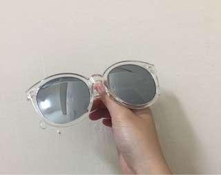 🚚 Sunglasses