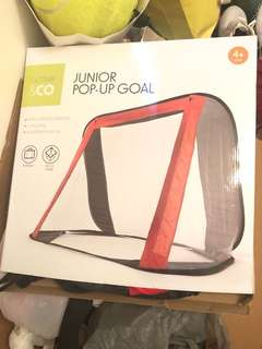 Junior pop up goal