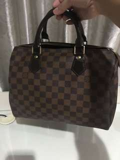 LV speedy damier 30 (not authentic)