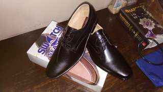 Office or formal shoes