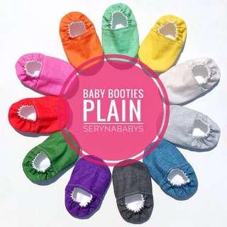 Baby booties plain