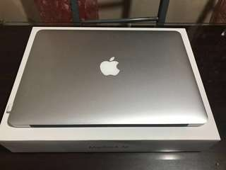 Macbook Air 13 inches, early 2015 series (very good condition)