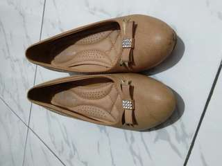 Brown flatshoes