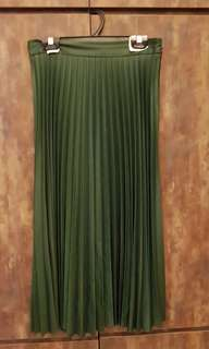 Like new Zara green Pleated Skirt - US small - was $129