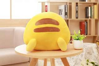 Pikachu billow cushion 皮卡丘屁股抱枕